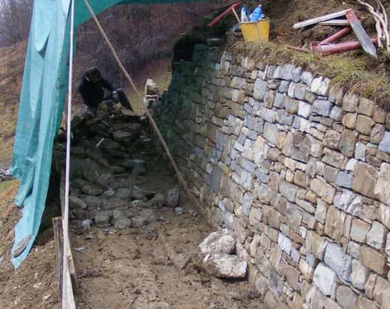 Muri in pietra a secco Vigna Corletta