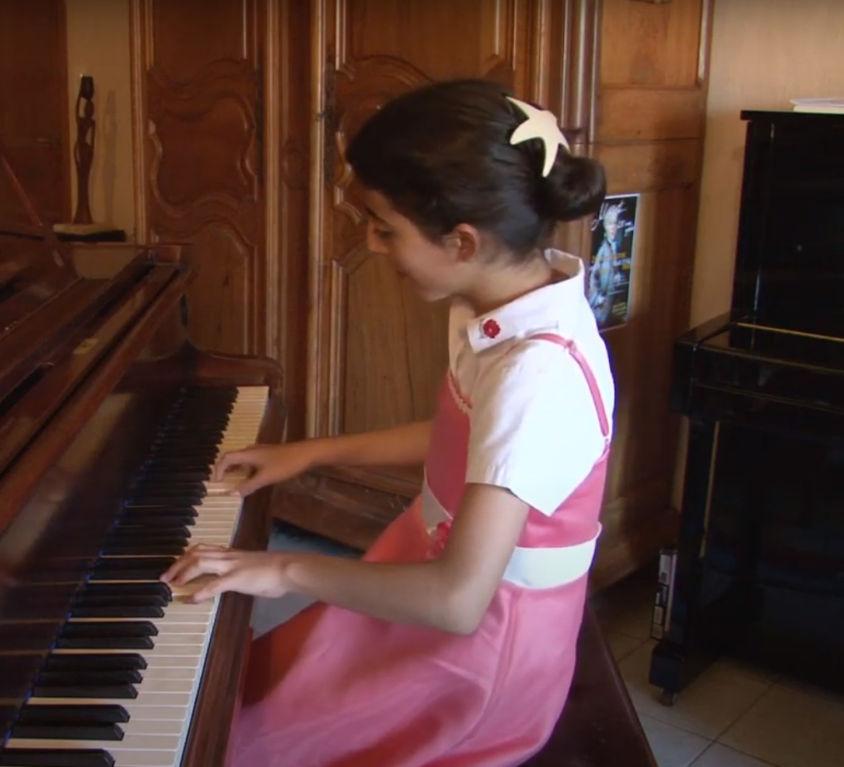 Noa Zanon al pianoforte